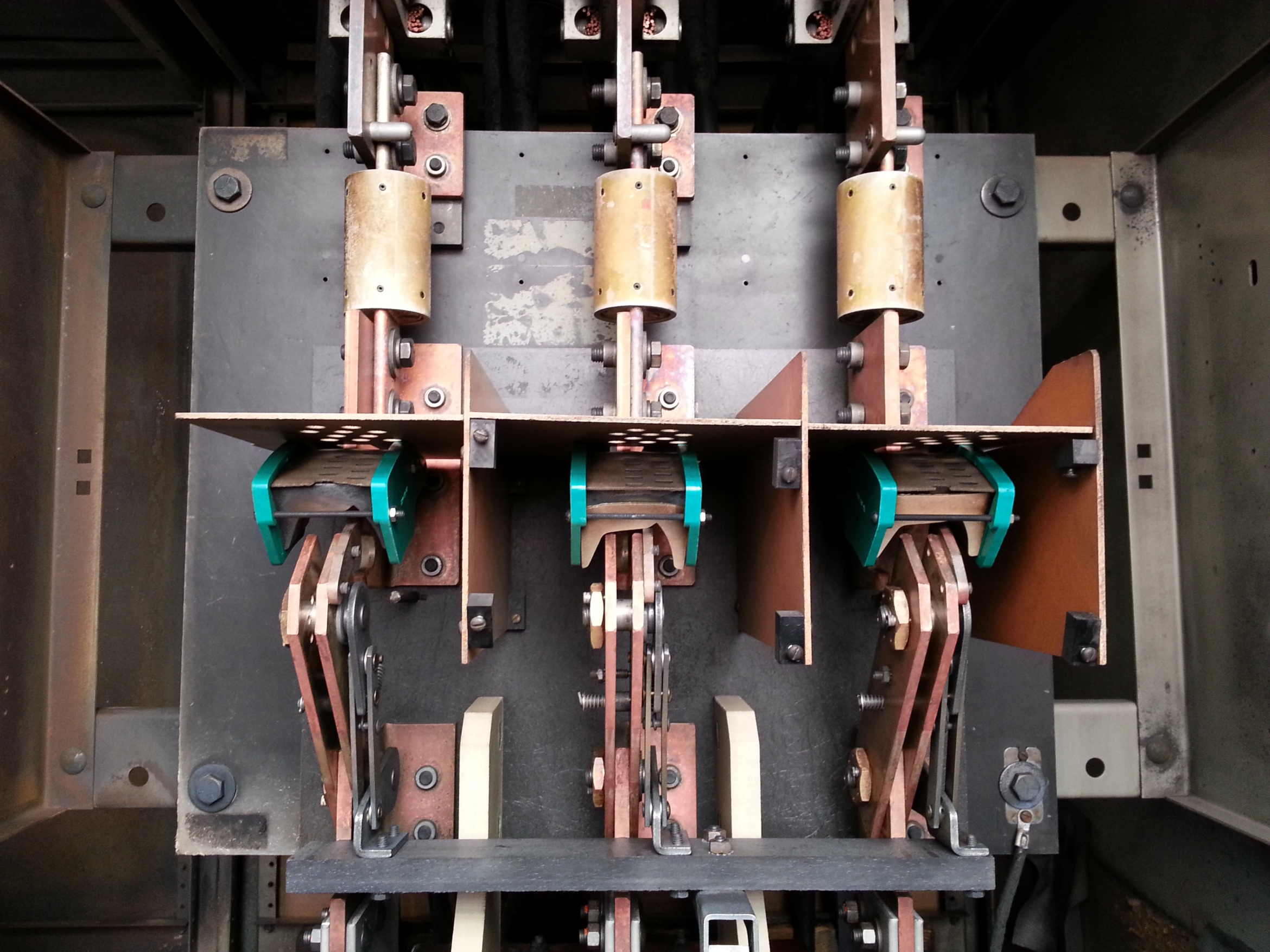 CO2 Cleaning Switchgear